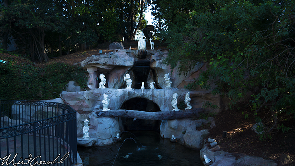 Disneyland Resort, Disneyland, Snow, White, Grotto