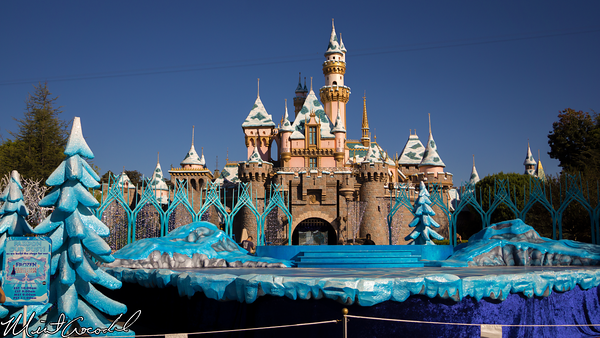 Disneyland Resort, Disneyland, Sleeping Beauty Castle, Christmas, Parade, Show, Frozen, Christmas Time