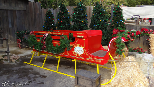 Disneyland Resort, Disneyland, Frontierland, Big Thunder Ranch, Jingle Jangle Jamboree, Santa Claus, Christmas, Christmas Time