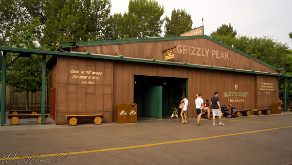 Disneyland Resort, Disneyland60, Disney California Adventure, Grizzly, Peak, Airfield, Log, Bench