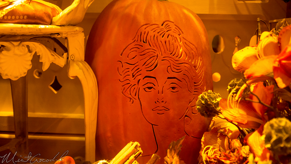 Disneyland Resort, Disneyland60, Halloween, Time, Disneyland, Main Street U.S.A., Gibson, Girl, Pumpkin, Carving