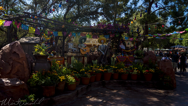 Disneyland Resort, Disneyland60, Disneyland, Frontierland, Halloween, Time, Day, Dead