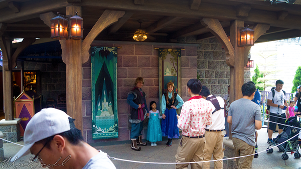 Hong, Kong, Disneyland, Sleeping, Beauty, Castle, Fantasyland, Frozen, Meet, Greet, Anna, Kristoff