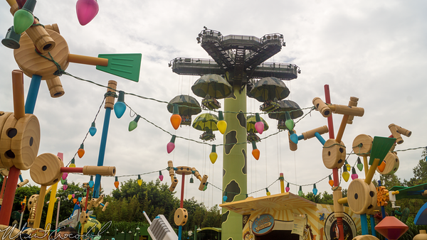 Hong, Kong, Disneyland, Story, Land, RC, Racer, Parachute, Drop, Queue