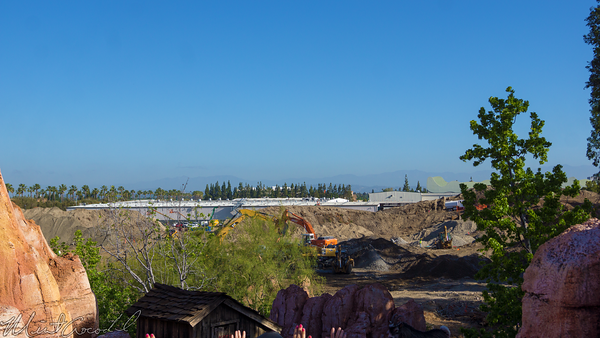 Disneyland Resort, Disneyland, Frontierland, Big, Thunder, Mountain, Railroad, Star, Wars, Land, Construction