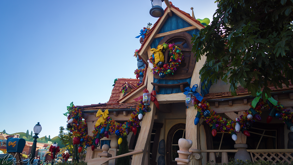 Disneyland Resort, Disneyland60, Christmas, Time, Disneyland, Toon, Town, ToonTown, Decorations, Decor