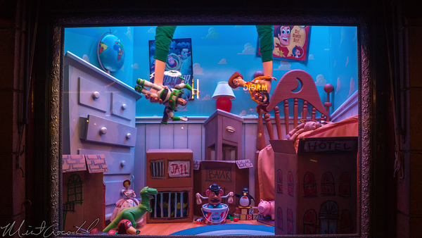 Disneyland Resort, Disneyland60, Halloween, Time, Disneyland, Emporium, Animated, Window, Display, Toy, Story, Buzz, Woody, Jessie, Andy