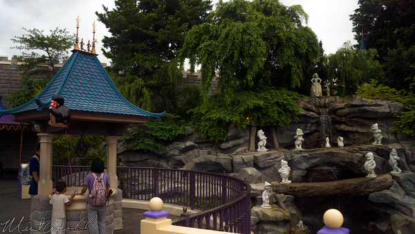 Hong, Kong, Disneyland, Fantasyland, Sleeping, Beauty, Castle, Snow, White, Grotto, Wishing, Well