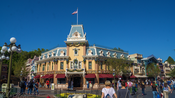 Disneyland Resort, Disneyland60, Christmas, Time, Disneyland, Main Street U.S.A., Emporium, Animated, Window, Display, Frozen, Anna, Elsa