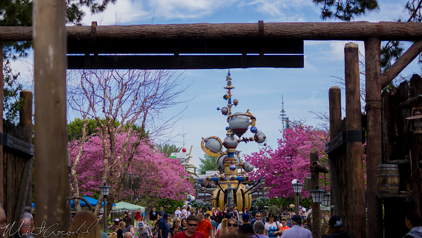 Disneyland Resort, Disneyland, Frontierland, Tomorrowland