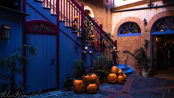 Disneyland Resort, Disneyland60, Christmas, Time, Disneyland, New, Orleans, Square, Royal, Courtyard, Pumpkinm Staircase, Jack, Skellington