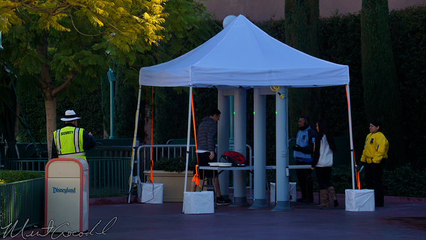 Disneyland Resort, Disneyland60, Christmas, Time, Disney California Adventure, Disneyland, Disney, Bag, Check, Metal, Detector, Safety, SafeD, Main, Entrance, Plaza