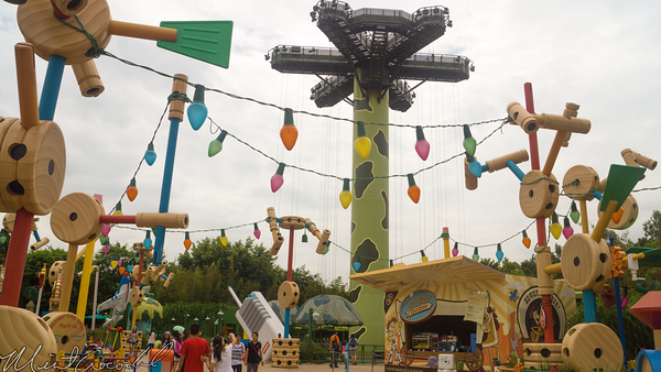 Hong, Kong, Disneyland, Toy, Story, Land, RC, Racer, Parachute, Drop, Queue