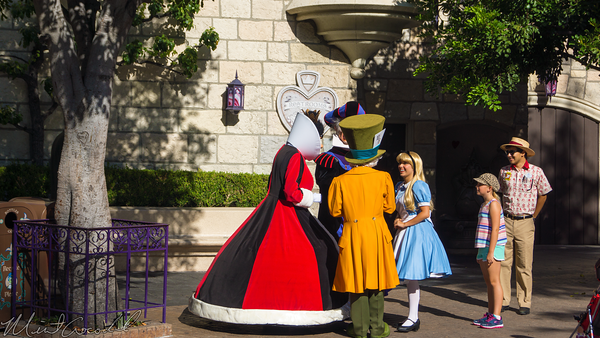 Disneyland Resort, Disneyland60, Halloween, Time, Disneyland, Alice, Mad, Hatter, Fantasyland, Frollo, Queen, Hearts