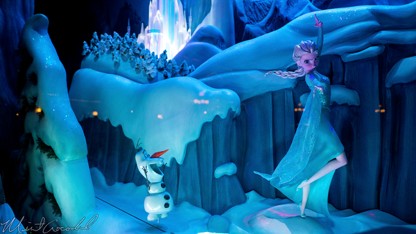 Disneyland Resort, Disneyland60, Christmas, Time, Disneyland, Main Street U.S.A., Emporium, Animated, Display, Window, Frozen, Anna, Elsa, Kristoff, Sven, Olaf