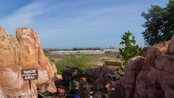Disneyland Resort, Disneyland, Frontierland, Big, Thunder, Mountain, Railroad, Star, Wars, Land, Construction