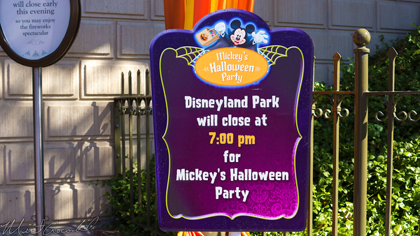Disneyland Resort, Disneyland60, Halloween, Time, Disneyland, Close, Early, Mickey, Trick, Treat, Party, Sign
