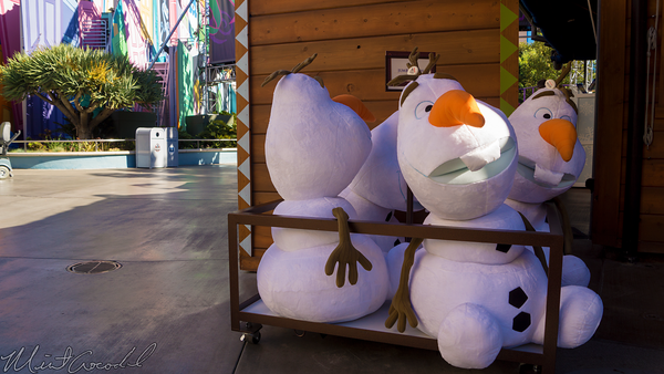 Disneyland Resort, Disneyland60, Christmas, Time, Disney California Adventure, Hollywoodl Land, Frozen, Olaf, Snow, Fest
