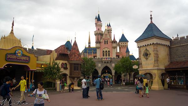 Hong, Kong, Disneyland, Fantasyland, Courtyard