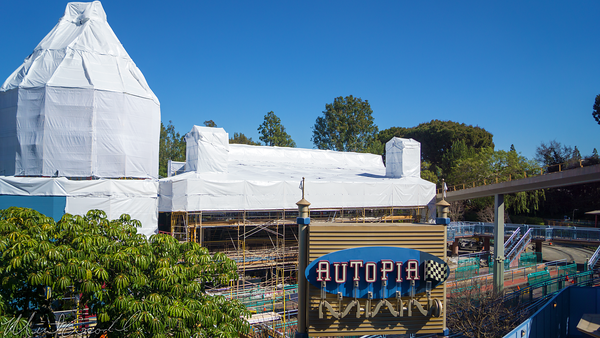 Disneyland Resort, Disneyland, Autopia, Refurbishment, Refurbish, Refurb, Paint, Tomorrowland