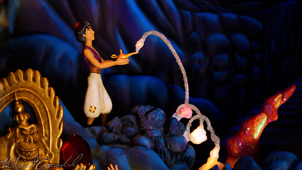 Disneyland Resort, Disneyland60, Christmas, Time, Disneyland, Emporium, Animated, Window, Display, Aladdin, Genie, Abu