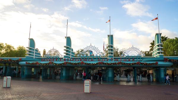 Disneyland Resort, Disneyland60, Christmas, Time, Main Entrance Plaza Disneyland, Disney California Adventure