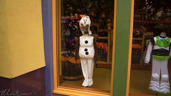 Disneyland Resort, Disneyland60, Disneyland, Disney California Adventure, Downtown, Disney, World, Store, Olaf, Costume