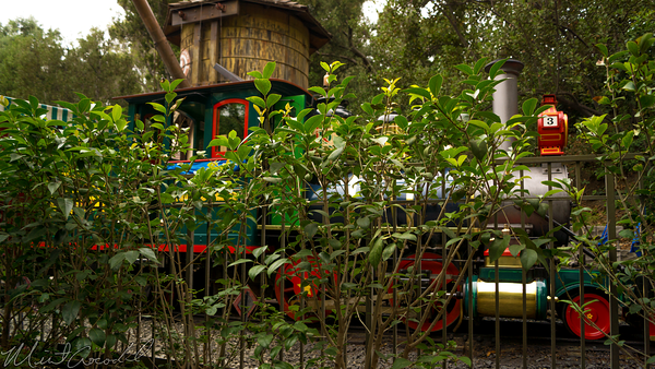 Disneyland Resort, Disneyland60, Disneyland, New, Orleans, Square, Haunted, Mansion, FastPass, Distribution, Train