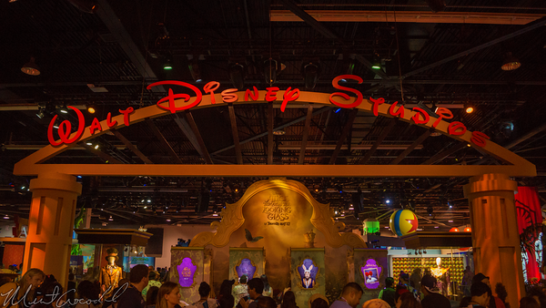 Disneyland Resort, Disneyland60, Disneyland, Disney California Adventure, D23, Expo, 2015, Show, Floor, Alice, Wonderland, Looking, Glass, Movie