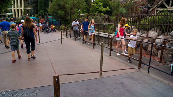Disneyland Resort, Disneyland60, Disneyland, Critter, Country, Splash, Mountain, Extended, Queue