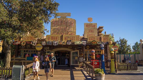 Disneyland Resort, Disneyland60, Christmas, Time, Disney California Adventure, Cars Land, Radiator, Springs, Curios