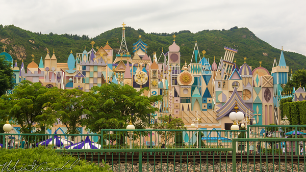 Hong, Kong, Disneyland, Fantasyland, it's, small, world,