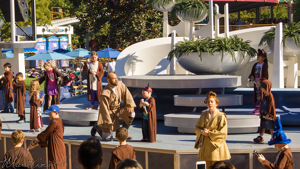 Disneyland Resort, Disneyland60, Christmas, Time, Disneyland, Tomorrowland, Terrace, Galactic, Grill, Jedi, Training, Academy