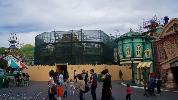 Disneyland Resort, Disneyland, TonnTown, Toon, Town, Paint, Painting, Refurbishment, Refurbish, Refurb, Facade